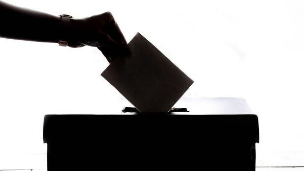 AK Parti'de 92 başkana 3 dönem engeli