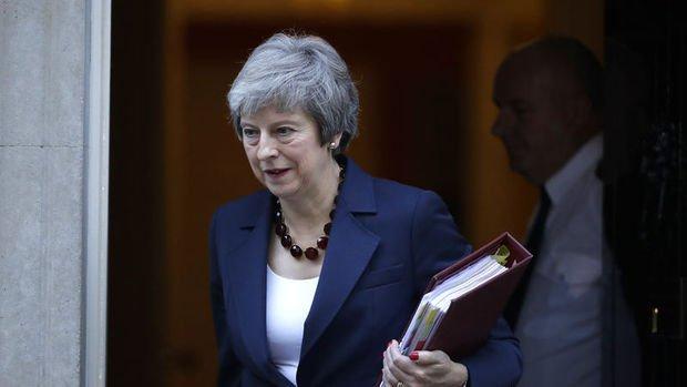 İngiltere'de tarihi kabine toplantısından Brexit'e onay çıktı