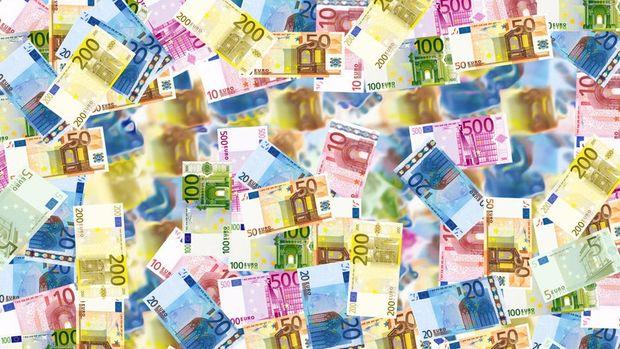 Avrupalılar Euro'ya güveniyor