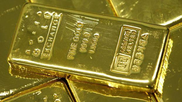 Altın hisse senetlerindeki sert satışa rağmen yatay seyretti