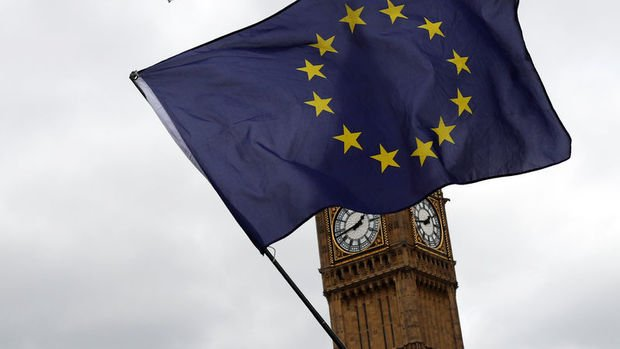 AB ve İngiltere Brexit'te taslak belge üzerinde anlaştı