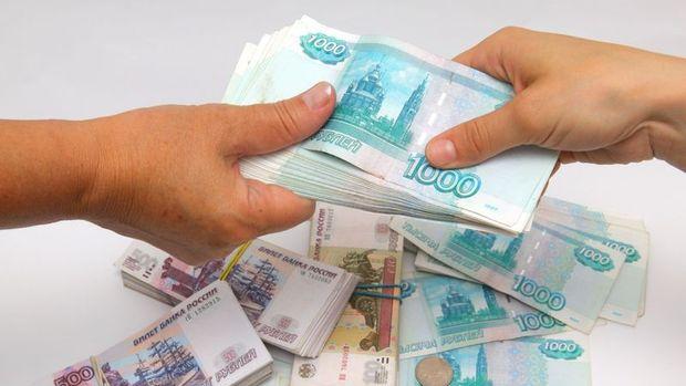 Ruble Ukrayna gerginliğiyle dolar karşısında sert düştü