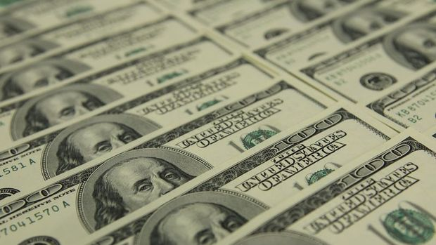 Dolar risk iştahındaki artışla geriledi