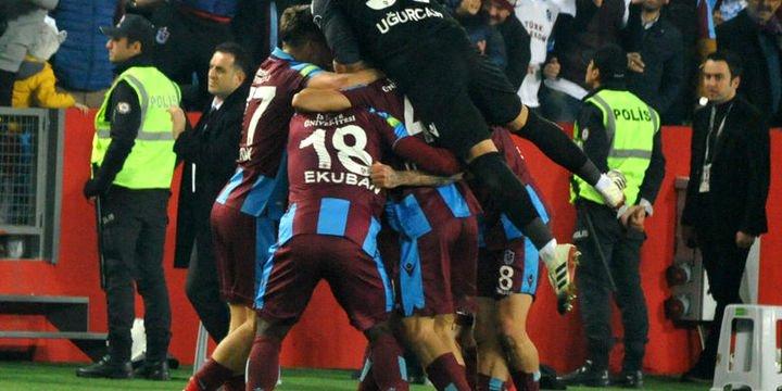 Trabzonspor borsada yatırımcısını sevindirirken, Fenerbahçe üzdü