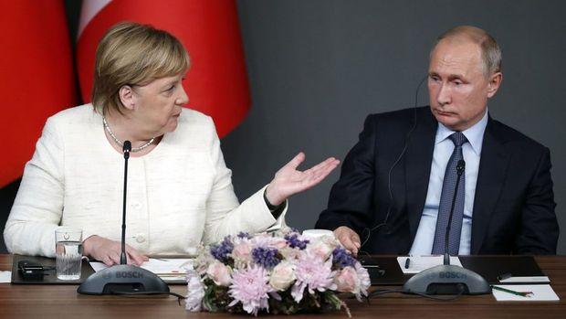 Merkel ile Putin, Rusya-Ukrayna krizini görüştü