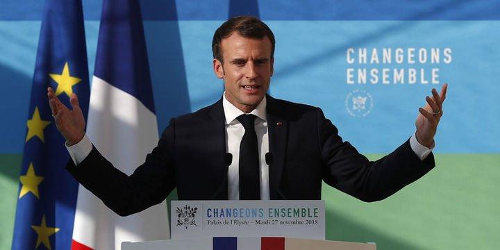 Macron akaryakıt vergilerini 3 ayda bir revize edecek