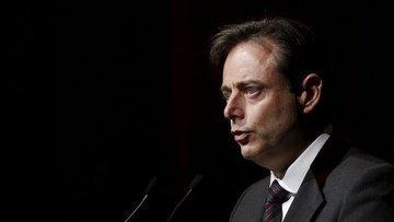 Belçika'da aşırı sağcı parti koalisyondan çekildi