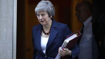 """May'den """"anlaşmasız Brexit"""" açıklaması"""
