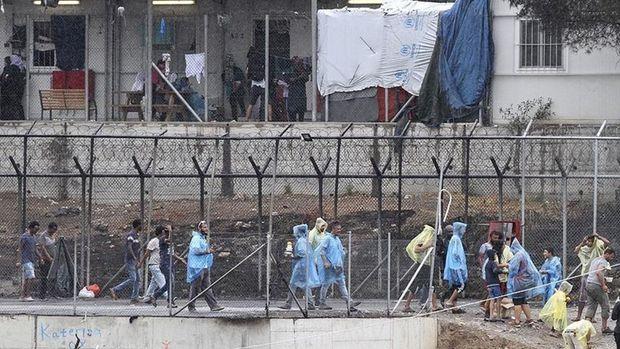 'Yunanistan, göçmenleri düzenli olarak Türkiye'ye geri itiyor'