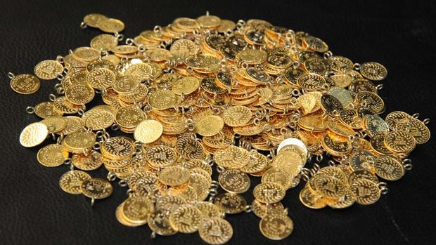 Gram altın 214 lira seviyelerinde