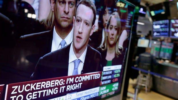 Facebook'un değeri 5 ayda 242 milyar dolar eridi
