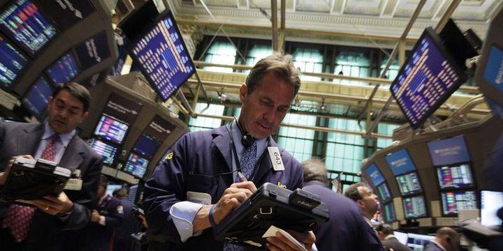 Küresel Piyasalar: Hisse senetlerinde sert düşüş sürdü, dolar yükseldi