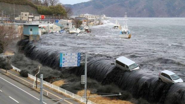Endonezya'da tsunami: 222 ölü, 843 yaralı