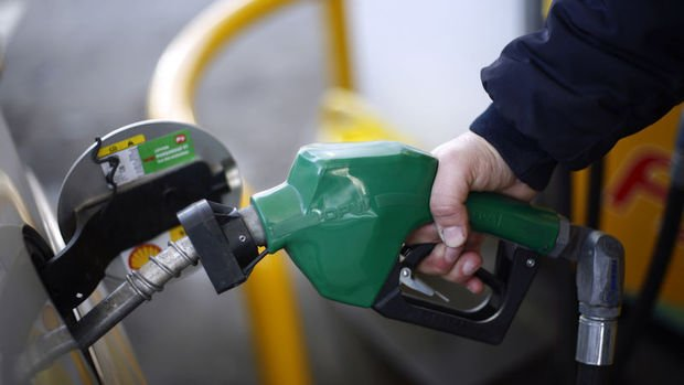 Benzin ve motorinde yeni indirim bekleniyor