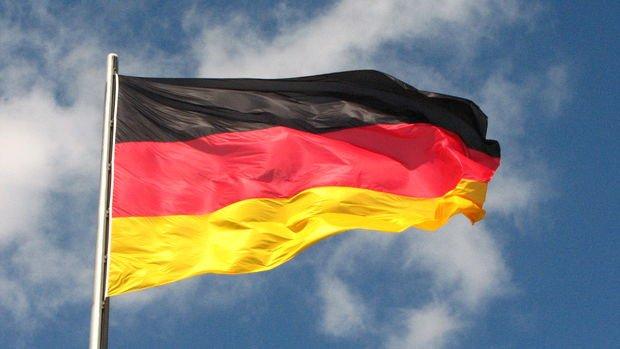 Almanya hizmet PMI Aralık'ta 27 ayın düşüğüne geriledi