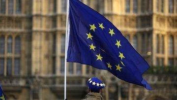 İngiltere Basını: Başbakan May, tarihi yenilgiyle karşı k...