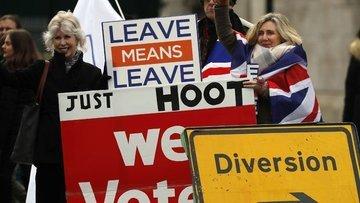 İngiltere'de kritik oylama: Brexit'te muhtemel senaryolar...