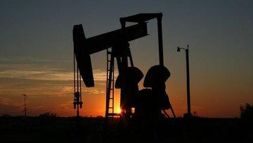 ABD'de petrol stokları düştü, üretim rekor seviyede