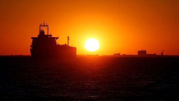 Japonya yaptırımlar sonrası İran'dan ilk petrolünü aldı