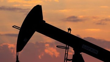 Petrol yükselişini 2 ayın zirvesi yakınında durdurdu