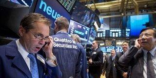 Küresel Piyasalar: Hisseler büyüme endişeleri ile düştü, dolar hafif yükseldi