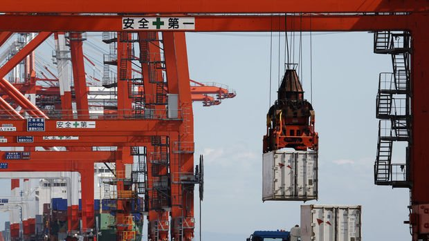 Japonya'da ihracat Aralık'ta beklenenden fazla geriledi