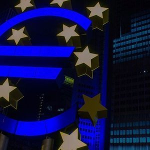 AVRUPA MERKEZ BANKASI FAİZLERİ DEĞİŞTİRMEDİ