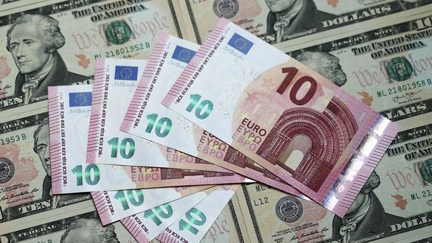 """Euro """"Draghi"""" sonrasında dolar karşısındaki kaybını artırdı"""