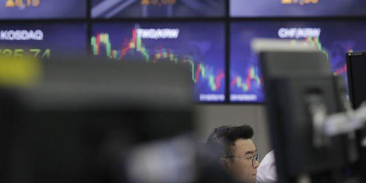 Asya hisse senetleri haftaya düşüşle başladı