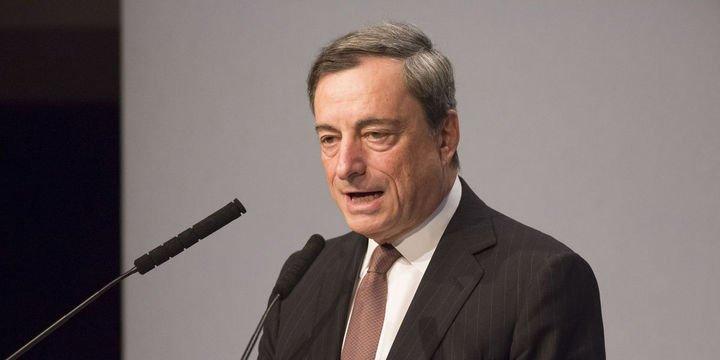 Draghi: Belirsizliklerin sürmesi ekonomik güvene baskı yapıyor