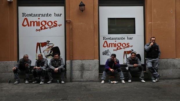 İspanya'da işsizlik 10 yıl sonra % 15'in altına indi