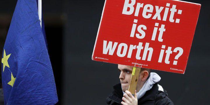 """""""İngiliz şirketler anlaşmasız ayrılık hazırlığını artırıyor"""""""