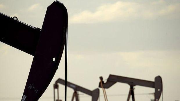 İran borsada 56 dolardan petrol satacak
