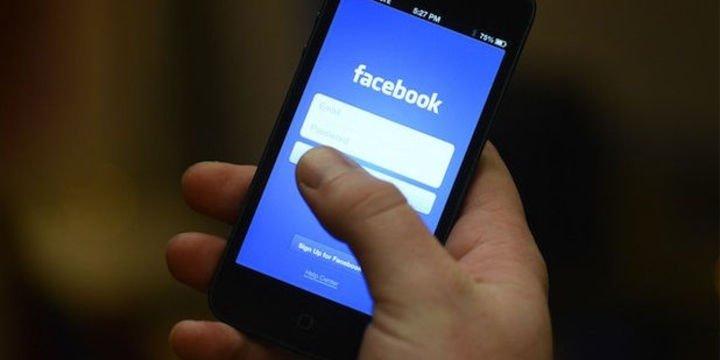 Mahremiyet skandallarına rağmen, Facebook