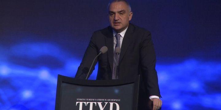 Bakan Ersoy: Sinema emekçilerimizi yarı yolda bırakmamamız lazım