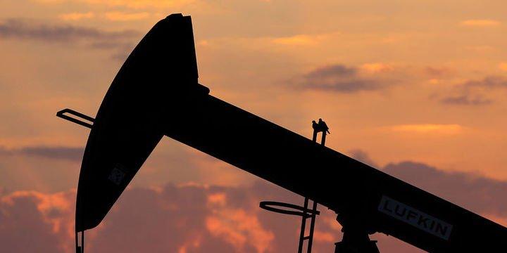 Petrol büyüme endişeleri ile 54 doların altında kaldı