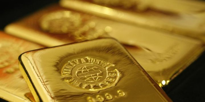 Altın dolardaki güçlenme ile düşüşünü sürdürdü