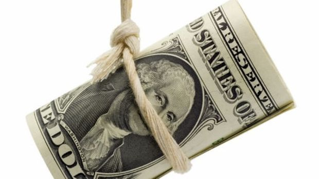 """""""Dolar/TL getiri odaklı yatırımcılar ile yurt içi yerleşiklerin dolar iştahı arasında sıkıştı"""""""