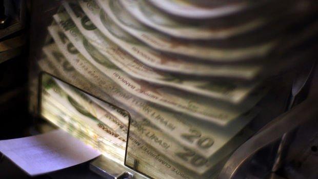 Hazine 2,5 milyar lira borçlandı