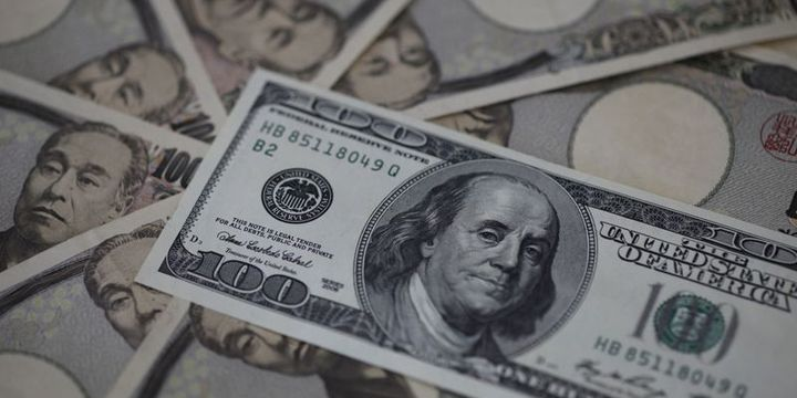 Dolar risk iştahının artmasıyla bu ay ilk kez düştü