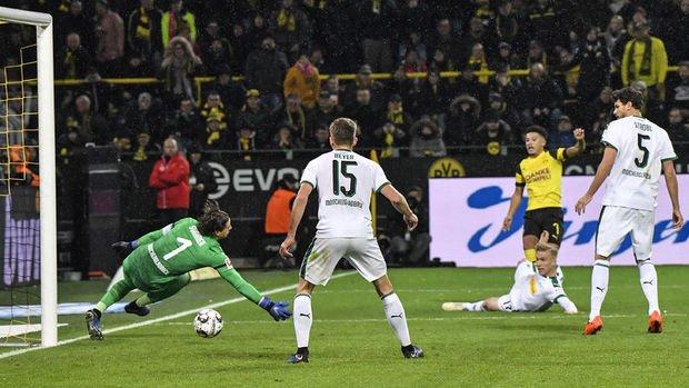 Almanya'daki futbol ligleri 4,42 milyar euro gelire ulaştı