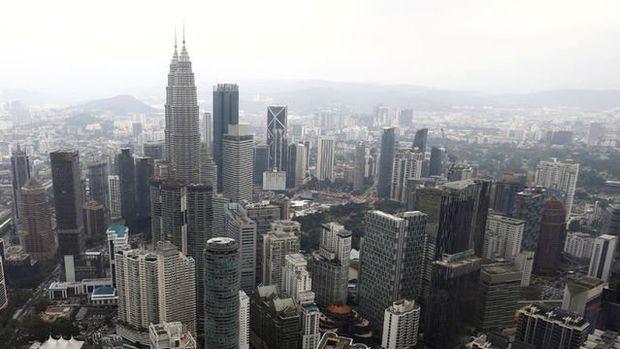 Malezya dördüncü çeyrekte beklenenden fazla büyüdü