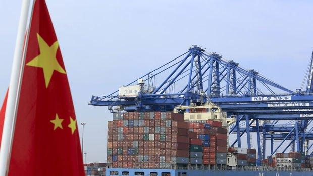 Çin'in ihracatı yılbaşı tatili öncesi güçlü yükseldi
