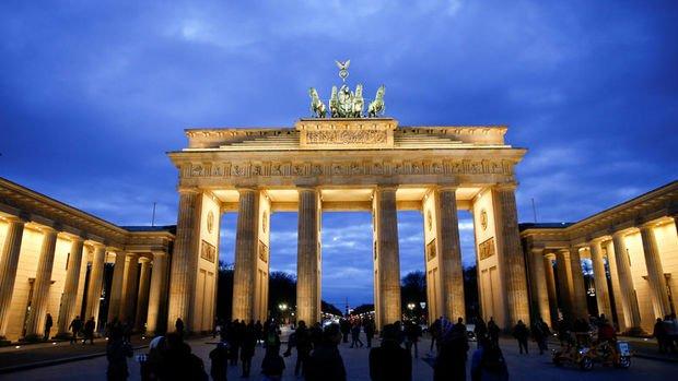 Alman ekonomisi resesyona girmekten son anda kurtuldu
