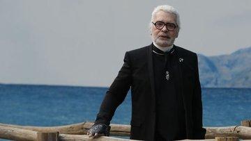 Ünlü modacı Karl Lagerfeld hayatını kaybetti