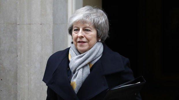 May: Brexit anlaşması olmazsa erteleme oylaması isteyeceğim