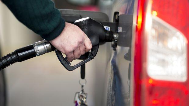 Benzine 15 kuruş zam bekleniyor