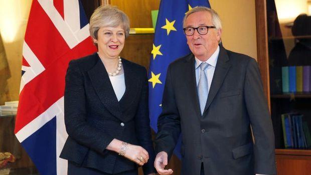 May-Juncker Brexit oylaması öncesi ortak basın toplantısı yaptı