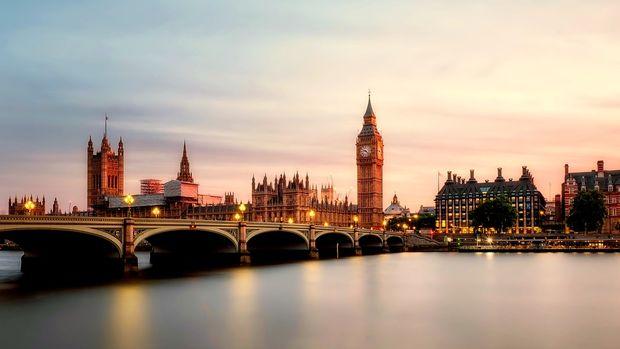 İngiltere'de büyüme beklentisi yüzde 1,2'ye çekildi