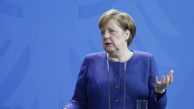 Merkel: Brexit konusunda opsiyonlar azaldı